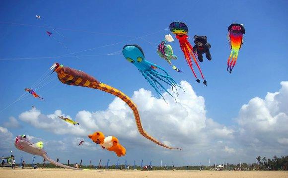 Tours - Bali kite festival