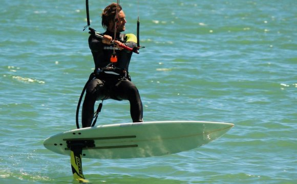 Hydro foil kite board