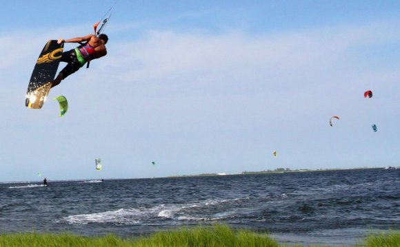 Kite Surfing Lessons in