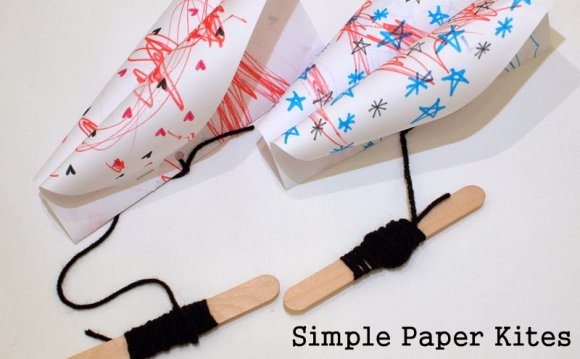 Make a simple paper kite DIY