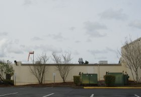 File:Legacy Meridian Park Hospital windsock - Tualatin, Oregon.JPG