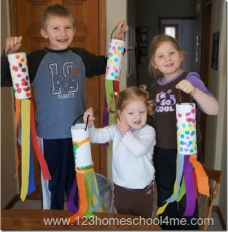 this is a fun spring craft for kid from Toddler, Preschool, Kindergarten to 1st-3rd grade.